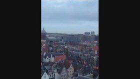 Amsterdam'da Kilise Çanıyla Fikrimin İnce Gülü'nü Çalmak