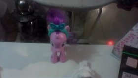 Bir Miniş Bir Ponyi Korkutursa