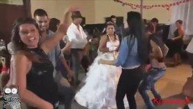 Roman Düğünleri Bir Başka Siyah Taytlı Kızdan Dans Show