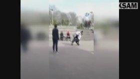 Liseli Kızların Kavgası Saç Saça Kavgası Kamerada