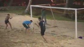 Survivor'da Şeyma Subaşı'ndan Futbol Şovu