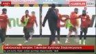 Galatasaraylı Sneijder : Takımdan Ayrılmayı Düşünmüyorum