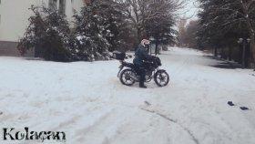 Motosiklet ile Karda neler yapılır / Kar eğlencesi / Kardan adama çarptım