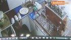 Çalıştığı İş Yerini Soydu , Yakalanmamak İçin Çay Askısını Alarak Kaçtı.o Anlar Kamerada