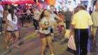 Tayland'da Ladyboyların Hışmına Uğrayan Adam
