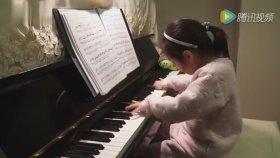 3 Yaşındaki Minik Kızın Şaşırtan Müzik Yeteneği