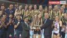 Kadınlar Voleybolda Fenerbahçe ve Galatasaray Birlikte Poz Verdi