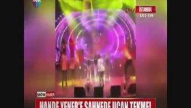 Hande Yener'in Dansçısından Hande Yener'e Uçan Tekme