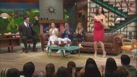 Azra Akın'dan Dans Şov ( Beyaz Show 19 Mayıs Cuma )
