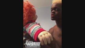 Chucky'nin Suratına Dişlerini Düşüren Adam