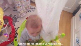 Saklanbaç Oynadık - Eğlenceli İkiz Bebek ve Oyun Videoları