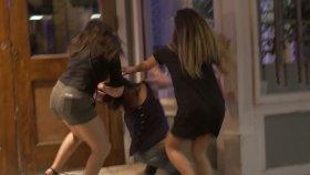 Sarhoş Kadınların Sokak Ortasında Kavga Etmesi