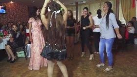 Oryantal Dansın Hakkını Veren Kız