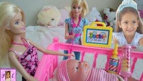 Barbie nin kardeşi aliş hastalanınca barbie elifi arıyor.Eğlenceli çocuk videosu