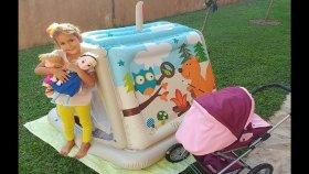 Oyun evini bahçeye taşıdık , Elif elsa ve maşa bahçede piknik yapıyor , eğlenceli çocuk videosu