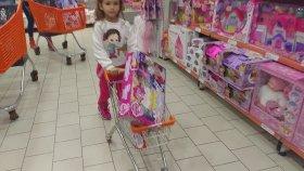 özdilek AVM giriş oyuncak alışverişi , eğlenceli çocuk videosu