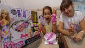 BARBİE İÇİN RENGARENK CIVIL CIVIL ELBİSELER YAPTIK , Barbie tasarım merkezi , eğlenceli çocuk videosu