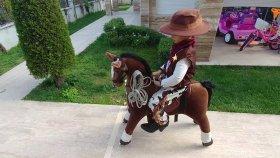 ELİF KOVBOY OLDU. Yeni kovboy kostümü sonunda aldık , eğlenceli çocuk videosu