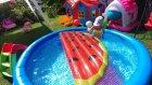 Havuzda karpuz kestik , Bu karpuz başka karpuz eğlenceli çocuk videosu