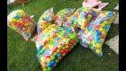 Bahçeyi topluyoruz binlerce top , dağıtmak güzeldi ama toplarken bittik , eğlenceli çocuk videosu
