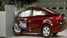 Kia Forte Otomobili Sağlamlık Testi