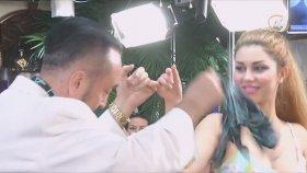 Adnan Oktar'ın Tuğba Bozkurt ile El Ele Dans Etmesi
