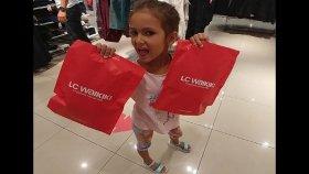 Elifin Minik Kuzeni İçin Hediye Alışverişindeyiz , Lc Waikiki Deyiz , Eğlenceli Çocuk Videosu